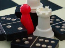 Schach & Domino